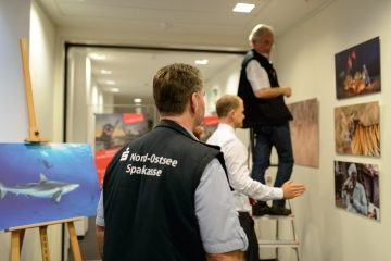 """Aufbau der Ausstellung """"Abenteuer extrem"""" © Holger Rüdel"""