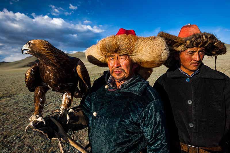 Adlerjäger, Mongolei © Art Wolfe/ Art Wolfe Stock