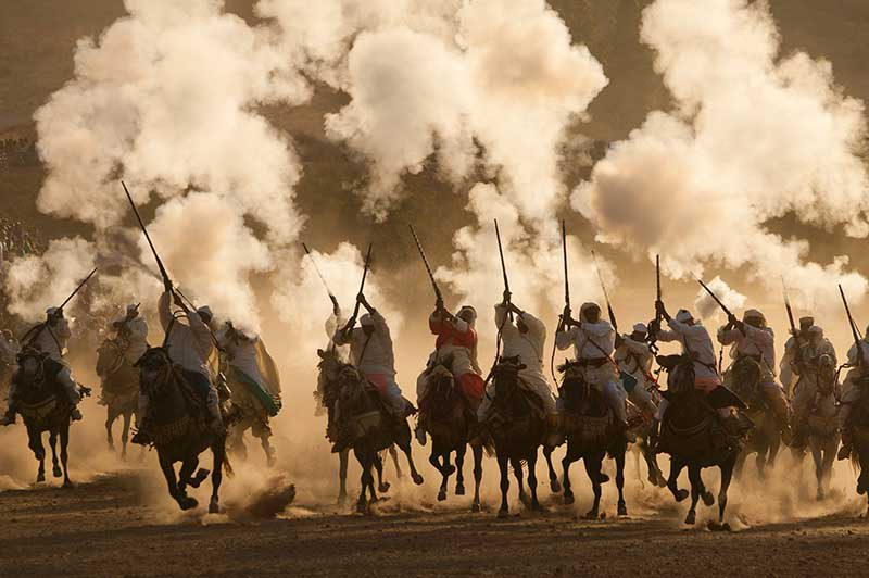 Reiterspiel, Marokko © Art Wolfe/ Art Wolfe Stock